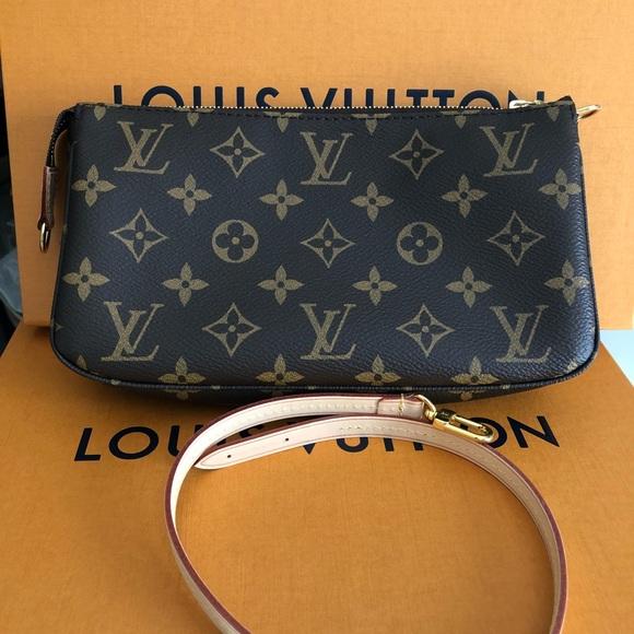 aeeb867375 Louis Vuitton pochette accesories